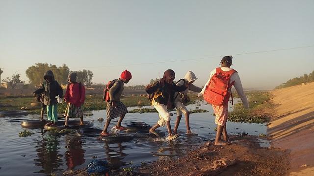 Ouagadougou: «Ana na yélé», le canal de tous les dangers pour les élèves
