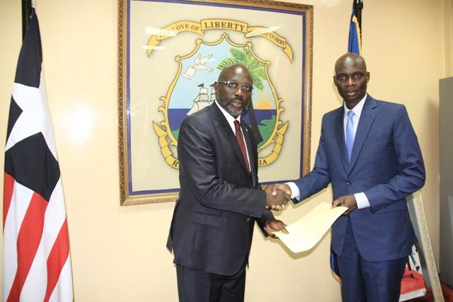 Libéria: L'ambassadeur Mahamadou Zongo a présenté ses lettres de créance au président Georges Weah