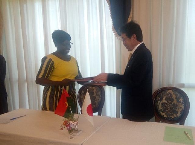 Aide aux micro-projets: L'ambassade du Japon octroie  55 400 000 F CFA à l'Association Song-Taaba de Pô
