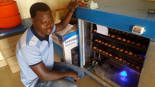 Kadré Sawadogo: Les couveuses, c'est son affaire!