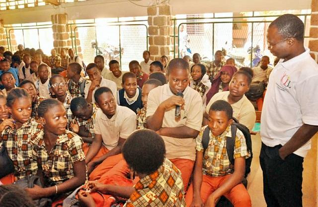 Protection des données personnelles: Des élèves du Collège Jean Baptiste de la Salle à l'école  d'Internet et des réseaux sociaux