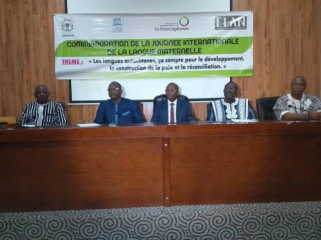 Langues maternelles: «On ne peut rien construire de durable  en empruntant l'outil langagier à une autre culture», Pr Albert Ouédraogo