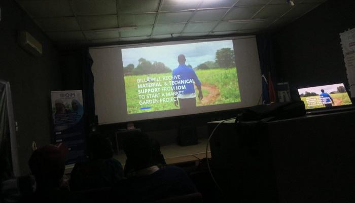 Concours de vidéo de l'OIM: «De Brazza à Ouaga via Abidjan» de Oui Koeta,  lauréat