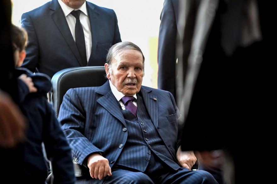 Présidentielle algérienne:  Bouteflika  renonce, pour l'honneur