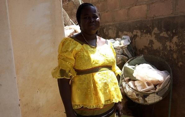 Dédougou:  Kalizèta Ganamé, la «chasseuse» d'ordures