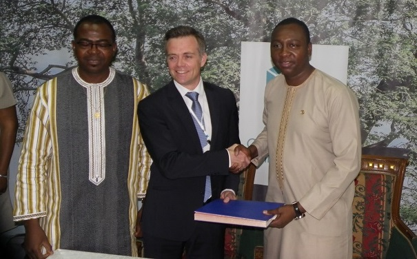 Accroissement de l'offre énergétique: Le Burkina signe six conventions avec la CEDEAO