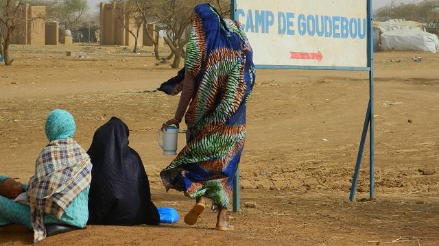 Burkina: Un gendarme tué dans l'attaque du poste de gendarmerie du camp des réfugiés de Goudebou