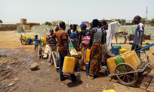 Pénurie d'eau potable en période chaude: «C'est une question  d'efficacité des entrepreneurs», déclare Niouga Ambroise Ouédraogo
