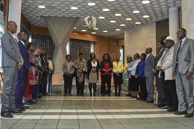 Ambassade du Burkina Faso à Paris: le personnel se retrouve autour du 9e café