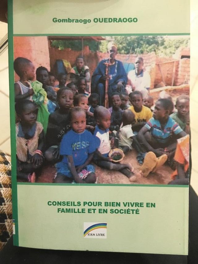 Littérature: Les conseils de Gombraogo Ouédraogo pour «bien vivre en famille et en société»