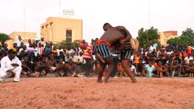 Lutte:   Des lutteurs interdits de compétitions jusqu'en 2020