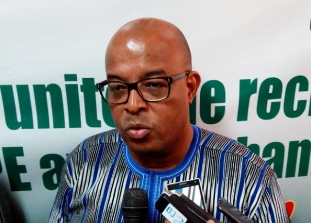 Mises en garde contre les arnaques financières: Le président de l'Association professionnelle des banques et établissements financiers du Burkina se prononce
