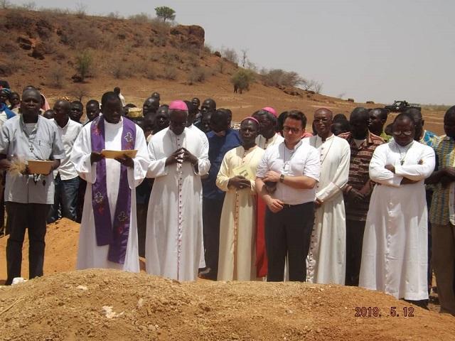 Attaque de Dablo: L'abbé Siméon Yampa et 5 de ses fidèles conduits à leur dernière demeure