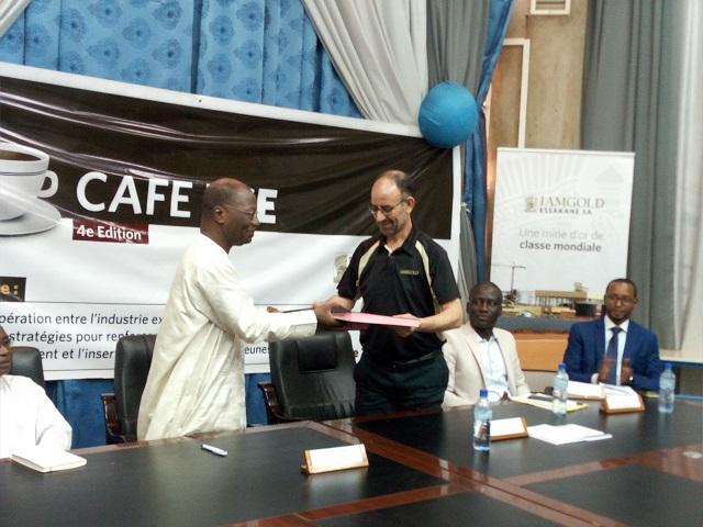 Insertion professionnelle: Iamgold Essakane et 2IE signent un accord-cadre de trois ans