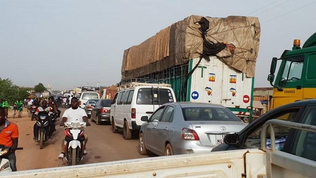 Mouvement d'humeur des transporteurs des poids lourds: La police nationale les invite «à reprendre convenablement le service dans le respect des textes en vigueur»