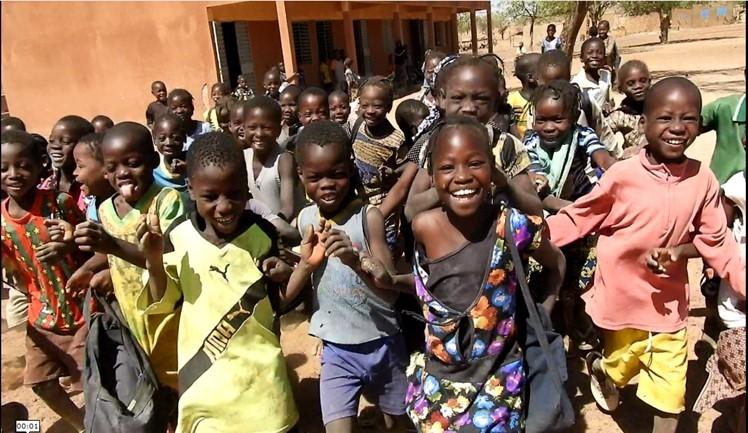 Action humanitaire dans un contexte d'insécurité au Burkina Faso: défi de la prise en compte des droits de l'enfant