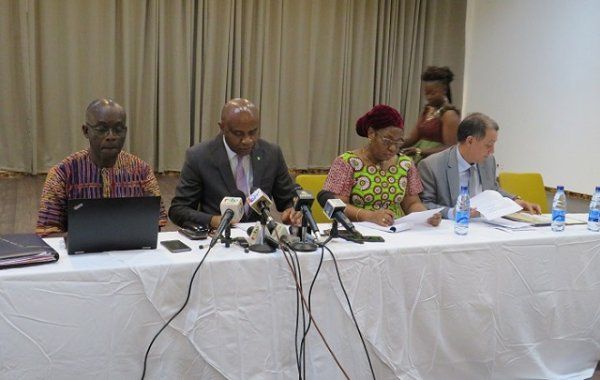 Des aides financières pour lutter contre Ebola — RDC