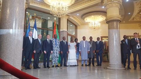 Burkina-France: Macron veut déclassifier les documents sur l'affaire Sankara