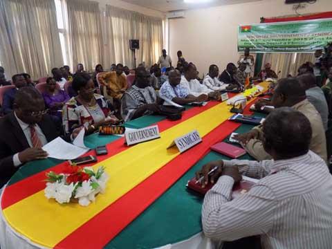 Rencontre gouvernement syndicat au burkina faso
