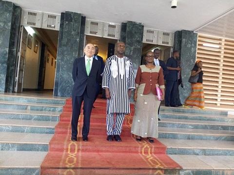 Mitsuhiro Furusawa, Directeur général adjoint du FMI en visite au Cameroun
